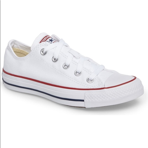 Chuck Taylor Converse Low Sneakers